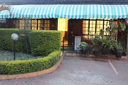 Cute, family-friendly apartment in Westlands - Nairobi - Lakás