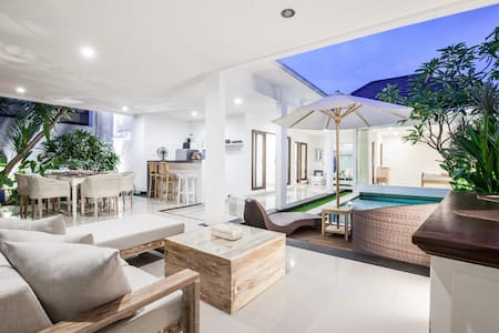Newly Renovated 2 Bdrm Villa in Heart of Seminyak