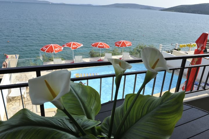 Apartment A2-best view on Adriatic, heated pool