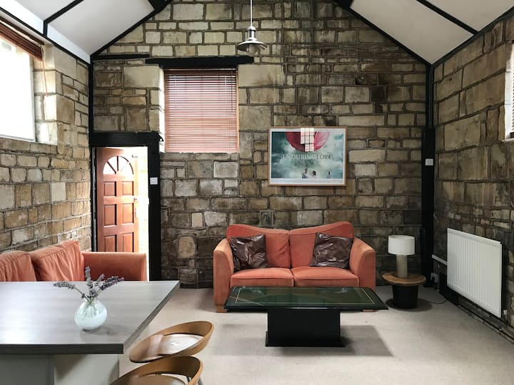 Beautiful, Spacious Cotswolds conversion
