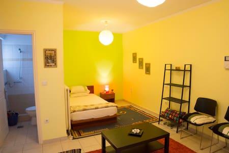 Yannis, Cozy Apartment close to the centre - Patras