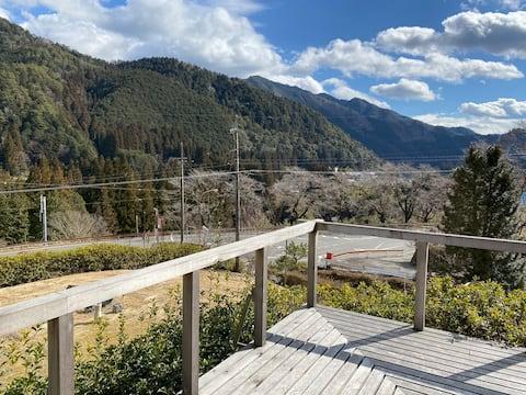 花緑里-HANAMIDORI-そしの山荘 下呂金山郡上自然溢れる貸切民宿 檜作り別荘眺望レトロ感風呂