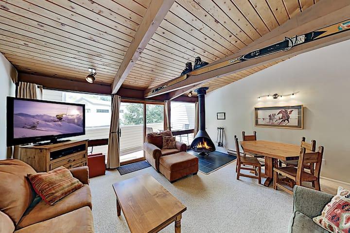 Sierra Del Sol | Ski-In/Ski-Out Townhome & Hot Tub
