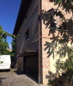 Villa Torrechiara - Lesignano De' bagni - Huvila