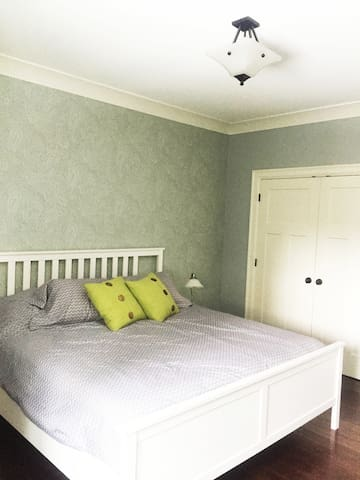king size bed with comfy pillow top mattress