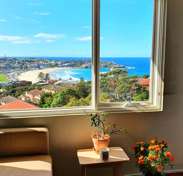 Amazing Views of Bondi Beach from your Bedroom