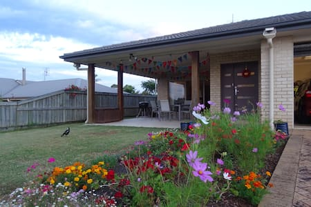 Spacious two bed apt close to town - Maleny