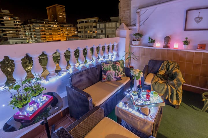 Cozy just refurbished penthouse. Lovely terrace
