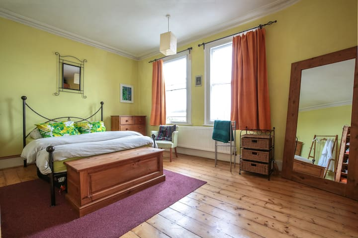 Bohemian light and airy spacious double room