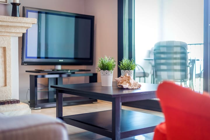 Living room with all amenities, 2 Bedroom apartment for rent Puerto Banus, Marbella, Spain