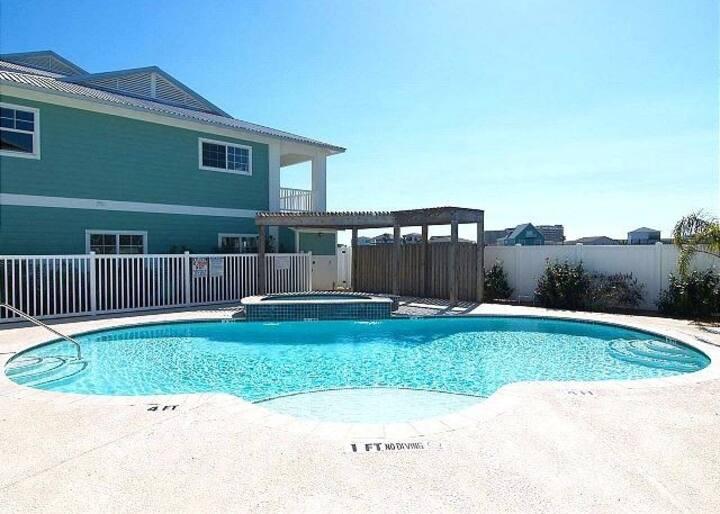 Meridian Condo w Pool Hot Tub - Walk to Beach