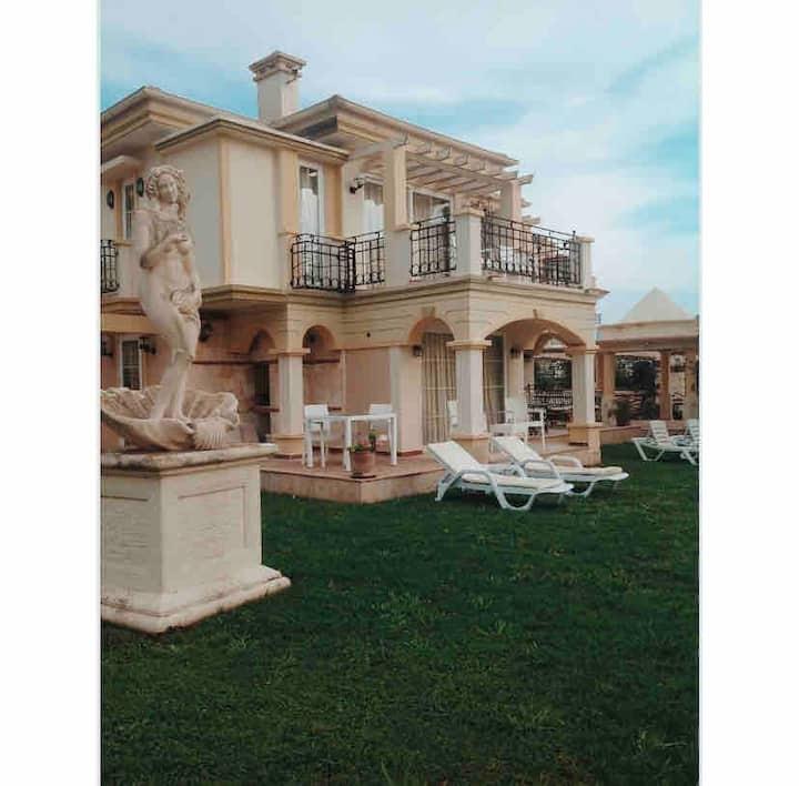 Villa B&D