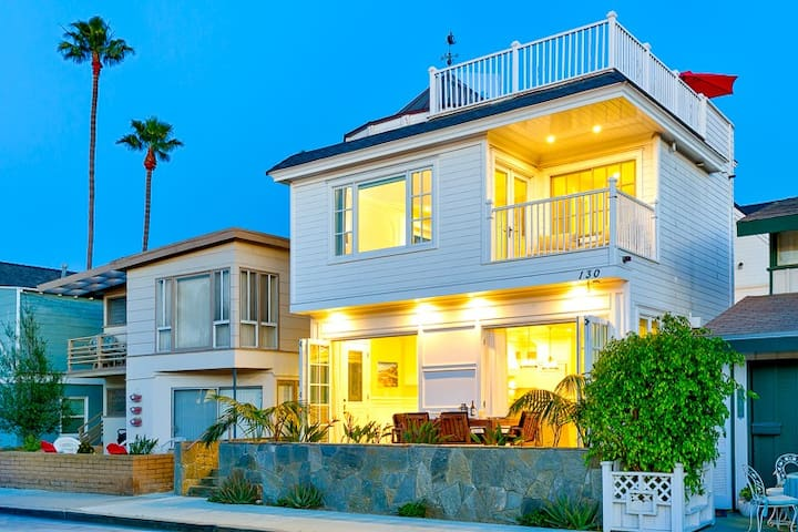 Spacious Family Home w/ Stunning Views + Rooftop Deck!