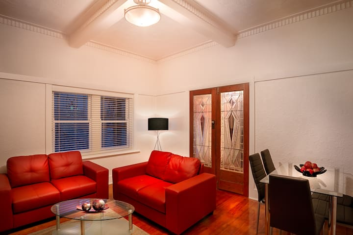 2 Bedroom Apartment in St Kilda - Saint Kilda - Apartamento