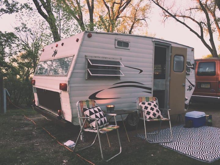 Stylish Lil' Vintage Camper