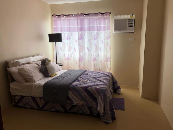 Fully furnished bi-level 1 bedroom top view condo