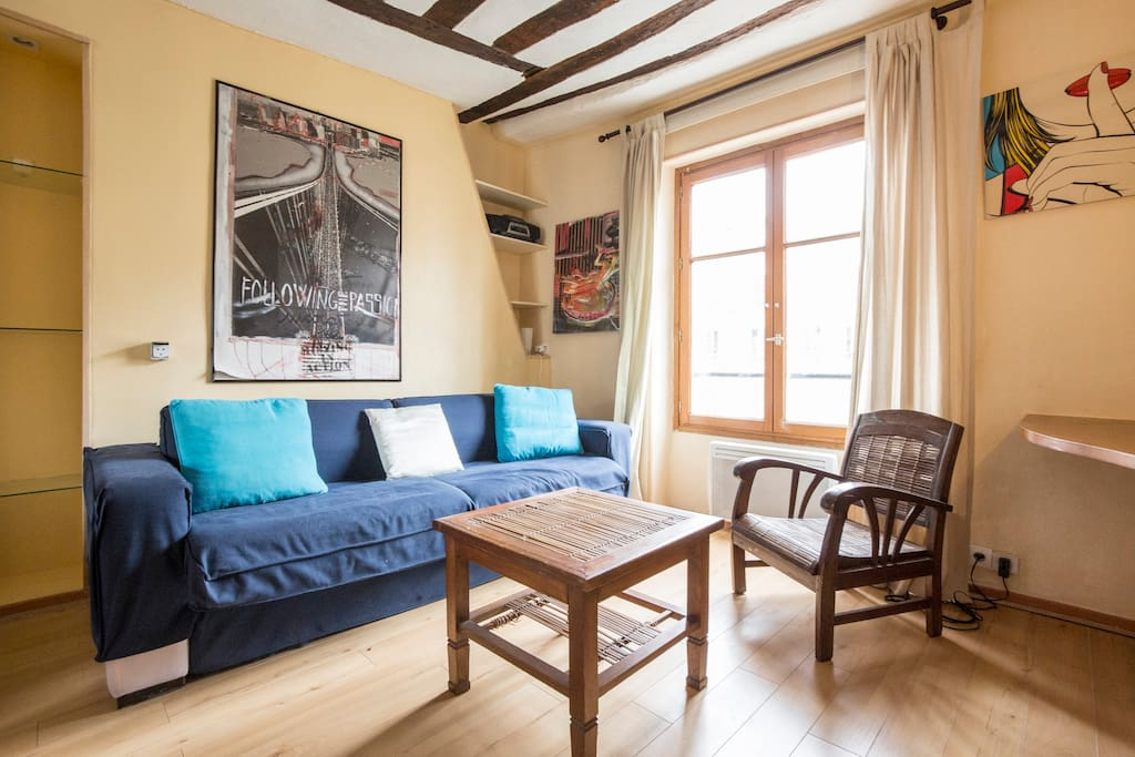 charmant appartement le marais appartements louer paris le de france france. Black Bedroom Furniture Sets. Home Design Ideas