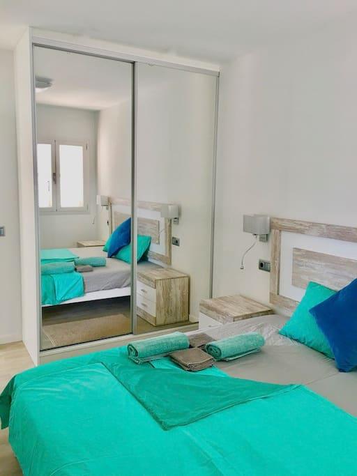 Doppelzimmer im 1. Stock mit Bett 2x90x200cm / double bedroom on the 1st floor with bed 2x90x200cm