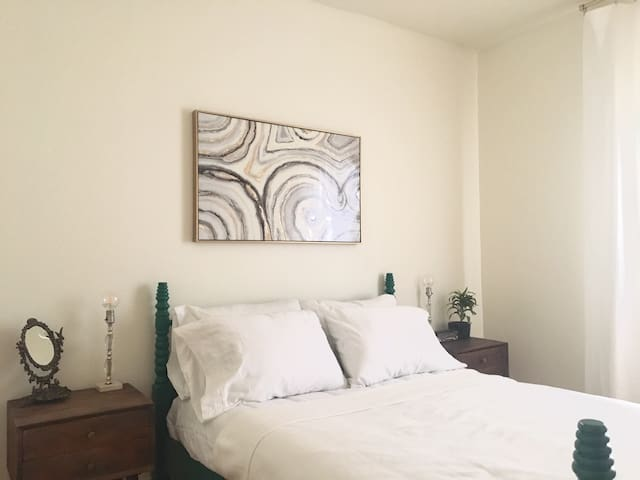 Fresh Comfy Historic 2 Bdrm Space w/ Private Entry