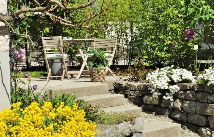 Charming apartment with garden near city center