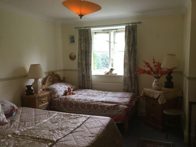#Cotswold Manor Farmhouse