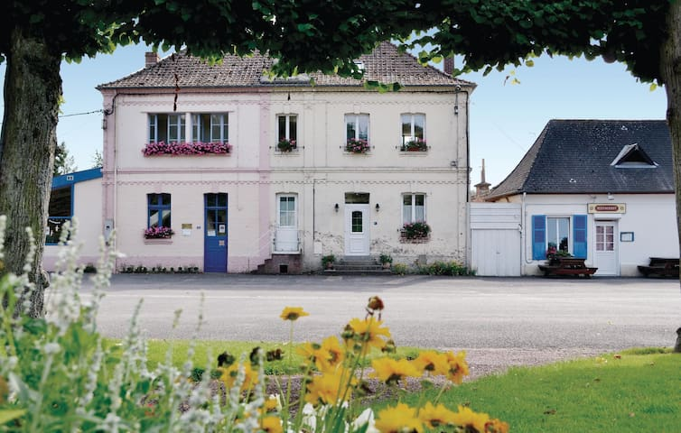 Semi-Detached with 2 bedrooms on 82m² in Boubers sur Canche