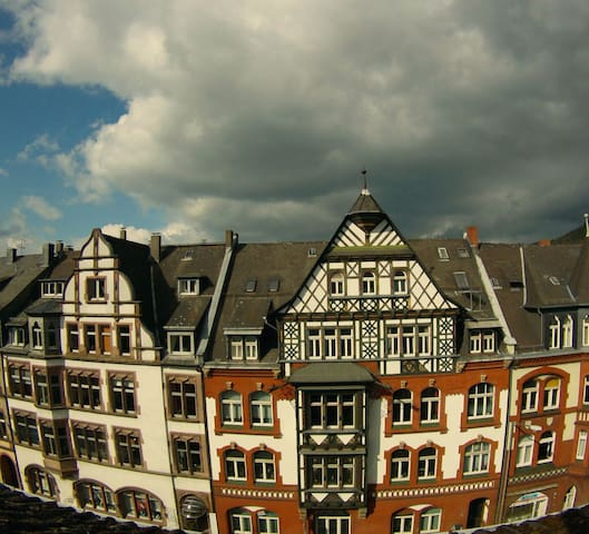 Privacy guaranteed: Central, own entrance and bath - Marburg - Appartement