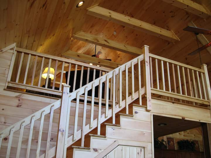 Big Bear Cabin - Beautiful Chalet with Mountain View