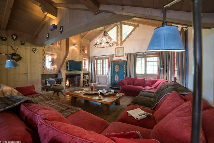 Courchevel 1850 - Spacious and generous chalet !!