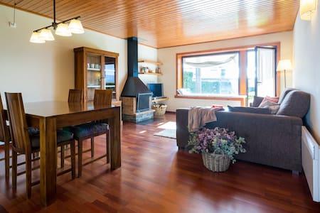 Apartamento con jardín y piscina - Osséja - Daire