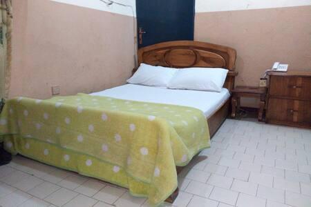 Feligold Royal Hotel - Single Room