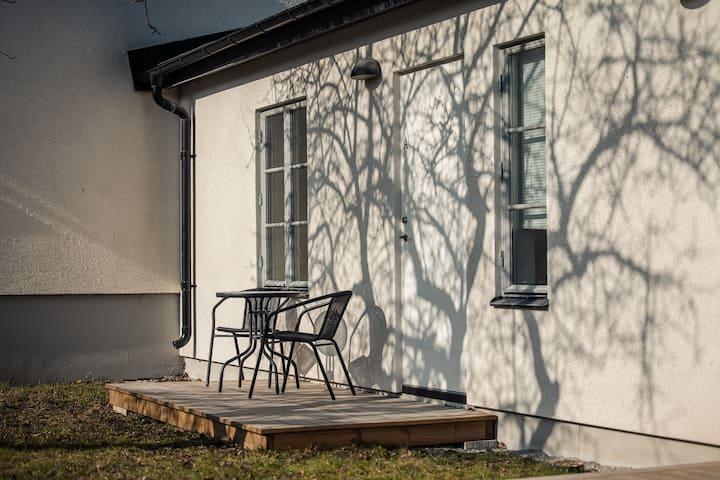 2 rum & kök i lugnt läge precis utanför ringmuren