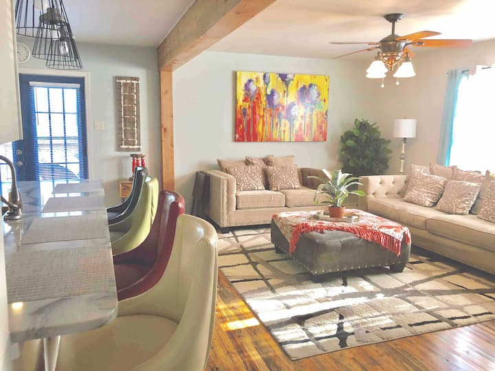 Exciting & Comfy The House of Grace (950 SF)