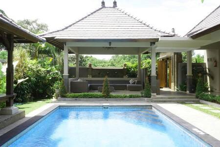 2 Bdr Villa with Private Pool in Kerobokan- Canggu - North Kuta - Villa