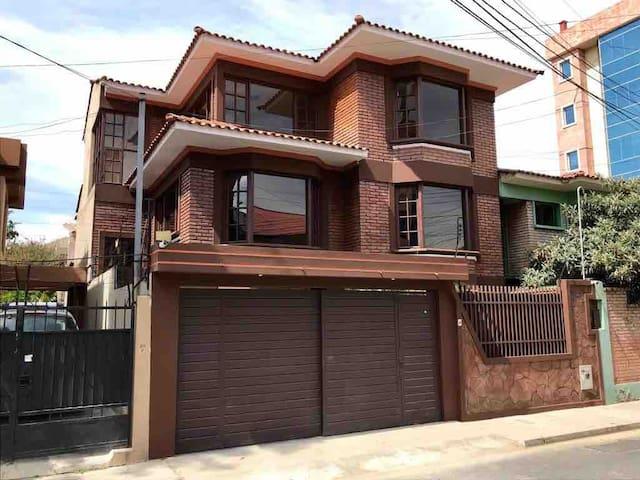 Great House, amazing location!!