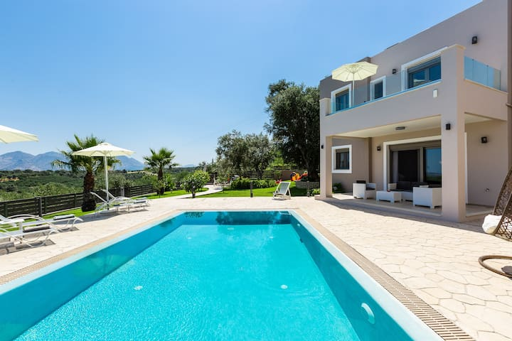 The two-storey villa covers 135 m2