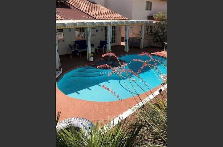 Single bedroom at Pool Oasis Home