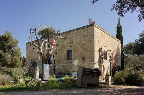 Casa d'artista in campagna