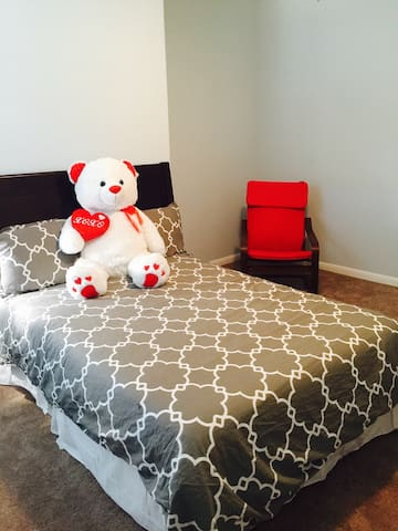 Private Bedroom - Round Rock