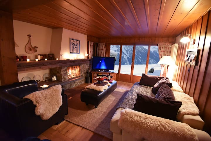 ★ Ski-in, Chalet-style appt - Perfect location ★