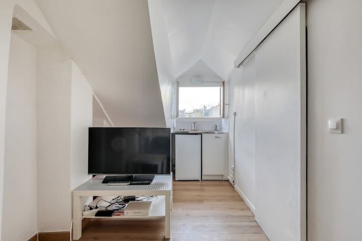 Cosy Studio Near Central Paris
