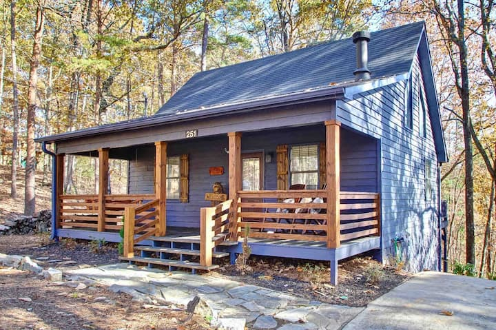 ⭐ Lazy Bear Cabin Nestled in Blue Ridge/Ellijay ⭐