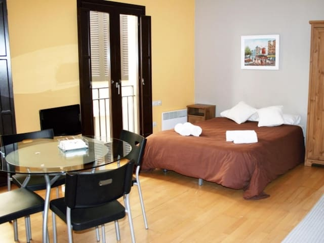Cozy loft for 2 persons | Old Quarter Girona
