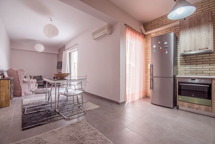 Center Apartment with Sea View!!!