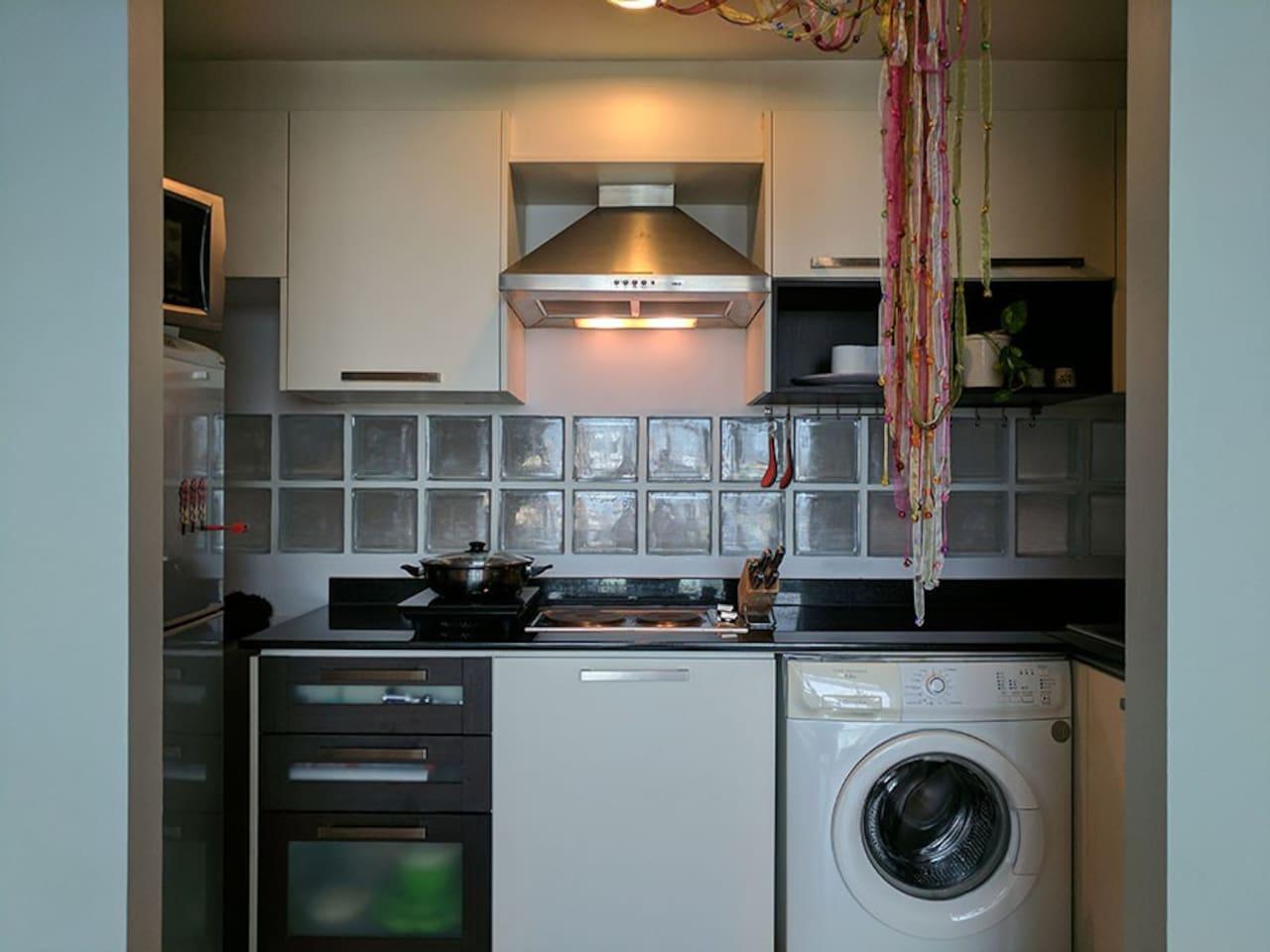 MiME Residence No3: Private Rm/ MRT Sutthisan in Huaikhwang, Bangkok ...