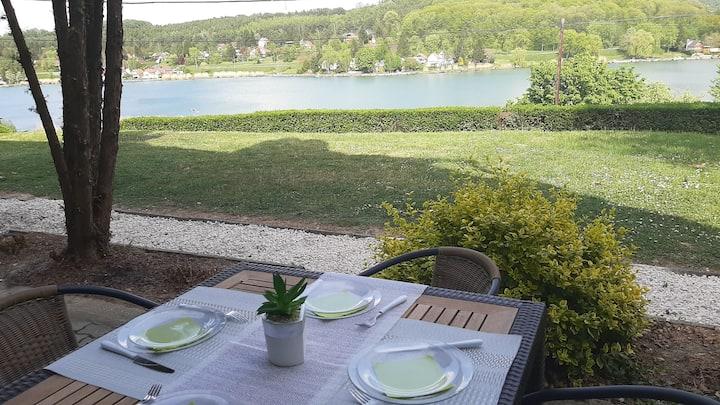 Onix-Orfű panorámás tóra néző fsz-i apartman