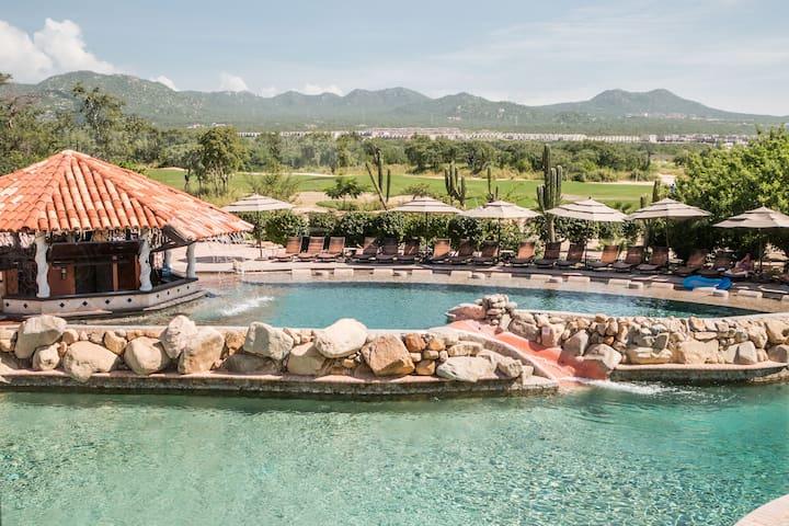 Tropical Villa + Gym + Golf