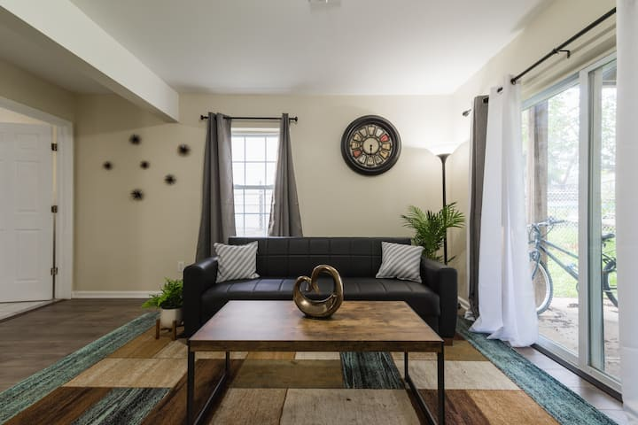 Modern Luxury Living near EWR AND NYC