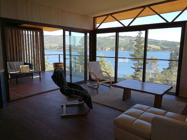 Nueva y Maravillosa Casa  en el  lago Vichuquen