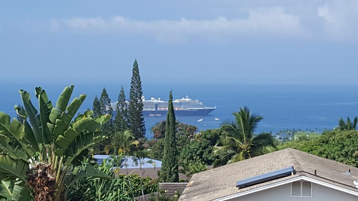Kona, Ocean View House. Just 1 mile from the beach